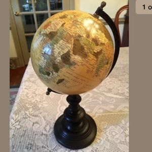 Classic Vintage Desk Rotating Globe on Stand